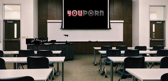 Bydgoska szkoła ogłosiła przetarg na sprzęt do oglądania porno