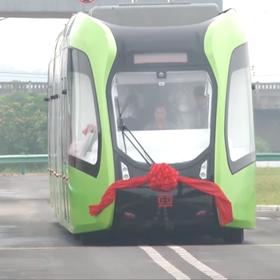 Chińczycy zbudowali pociąg jeżdżący po wirtualnych torach