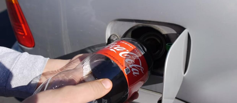 Co się stanie, jeśli zatankuje się samochód Coca-Colą?