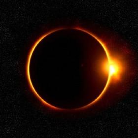 Gdzie obejrzeć całkowite zaćmienie Słońca w internecie?