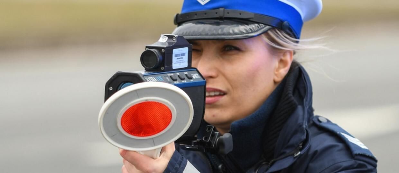 policjantka z fotoradarem