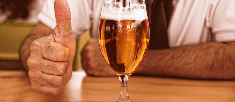 Lekarze uratowali życie szpitalnego pacjenta podając mu 15 piw