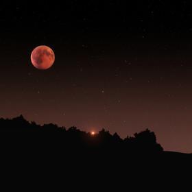 Mars znalazł się najbliżej Ziemi od 15 lat. Sprawdź, gdzie go oglądać