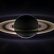 Oszałamiające zdjęcia zrobione przez sondę Cassini
