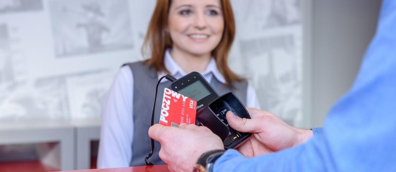 Poczta Polska zwróci 5% za transakcje wykonywane jej kartą