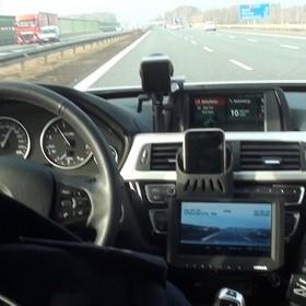 policja na autostradzie