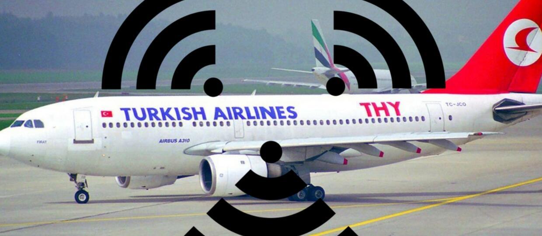 """Sieć Wi-Fi o nazwie """"bomba na pokładzie"""" spowodowała awaryjne lądowanie samolotu"""