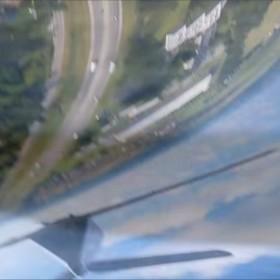 Smartfon nagrał wypadnięcie z samolotu