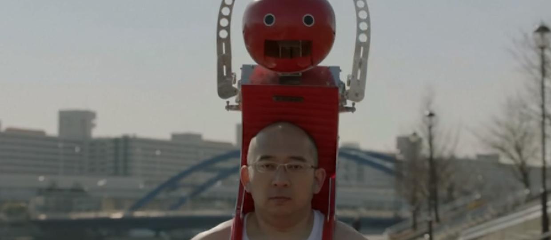 Tomatan to robot karmiący biegacza pomidorami