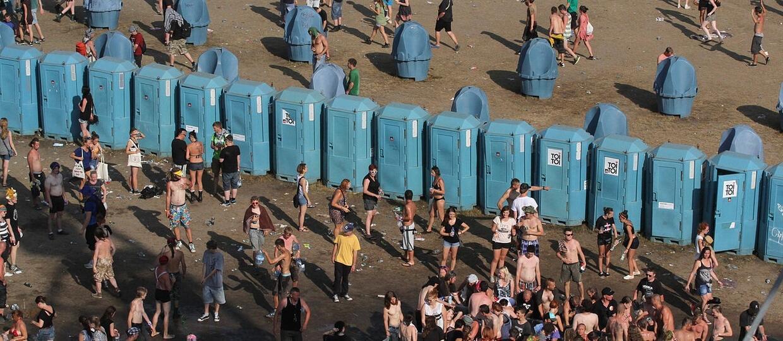 Zaakceptowali regulamin darmowego Wi-Fi, zgodzili się na 1000 godzin czyszczenia toalet