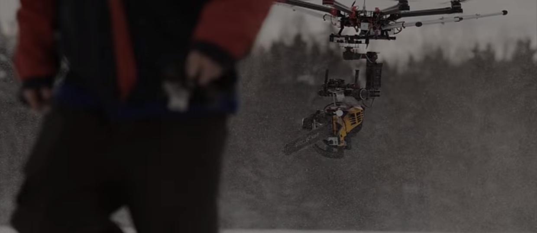 Zabójczy dron z piłą łańcuchową