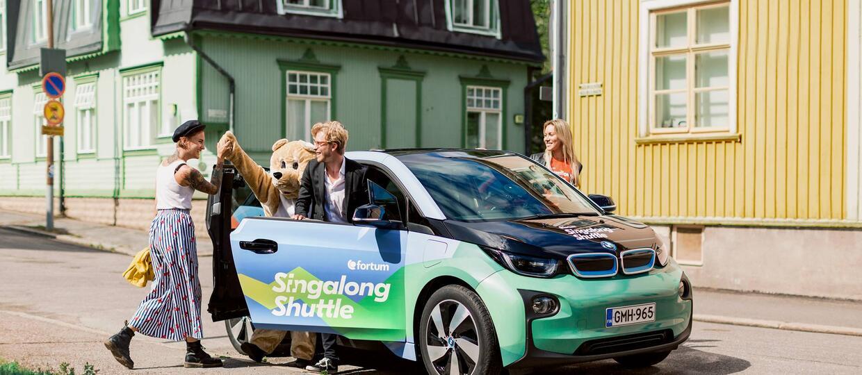 Zobaczcie pierwszą na świecie taksówkę, w której zapłacicie śpiewaniem