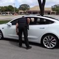 Tesla 3 zatrzymana przez policję