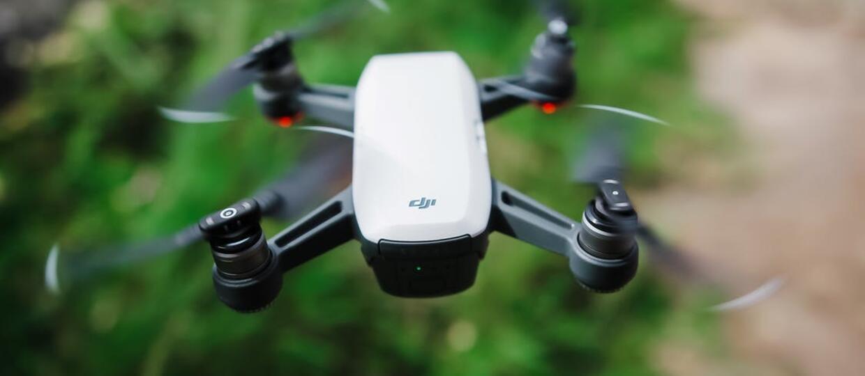 Mandaty za latanie dronem po pijaku
