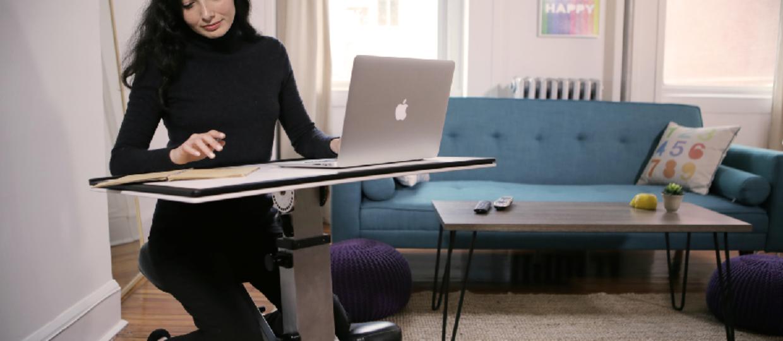 Mobilne biurko z klęcznikiem