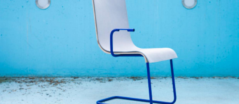 Naładuj telefon wiercąc się na krześle