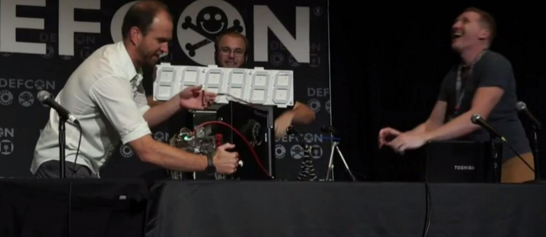 Robot łamie szyfr do sejfu skuteczniej od przestępców