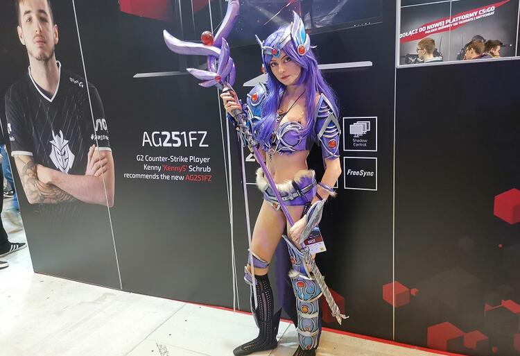 iem_2019_cosplay_01