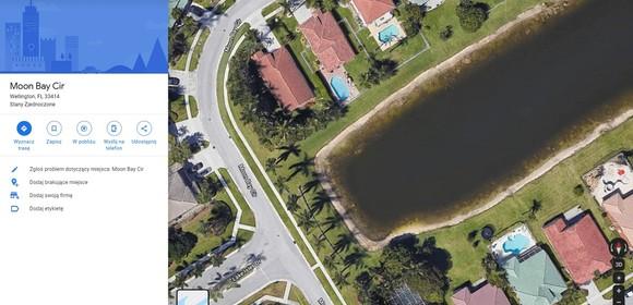 samochód w jeziorze na Google Maps