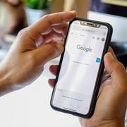 wyszukiwarka Google na smartfonie
