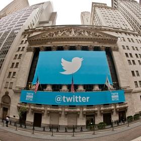 Groził śmiercią komarowi, Twitter zablokował mu konto