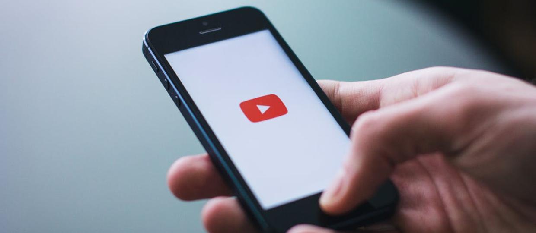Jak słuchać muzyki z YouTube'a przy wyłączonym ekranie?