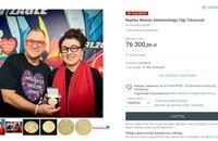 replika medalu noblowskiego Olgi Tokarczuk