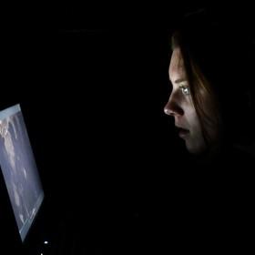 oglądanie filmu na komputerze