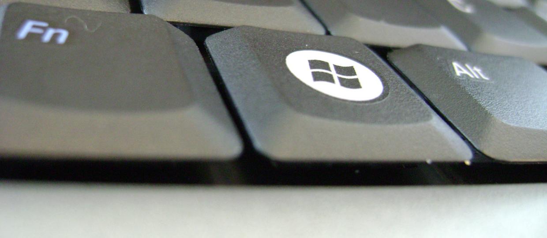 Piracki aktywator Windowsa naciąga na SMS-a Premium