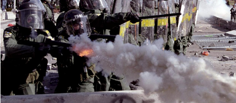 Policja w USA zablokowała protestującym internet?