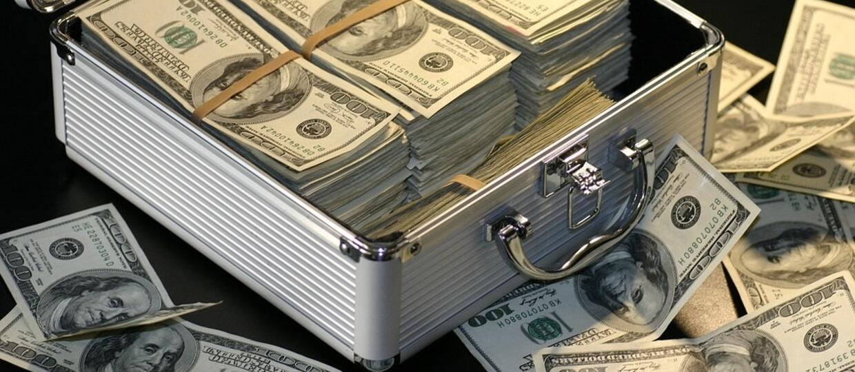 Polscy piraci zarobili prawie miliard złotych