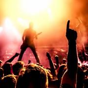 tłum na koncerie