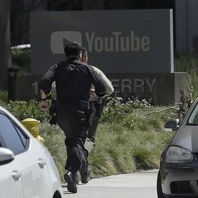 Policjanci biegnący do siedziby YouTube, w której doszło do strzelaniny