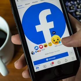 Facebook na smartfonie