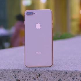 iPhone'y 8 są rozsadzane przez akumulatory