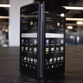 Pierwszy smartfon ze składanymi ekranami