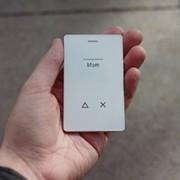 Light Phone 2 to telefon z ekranem z e-papieru, który potrafi tylko dzwonić