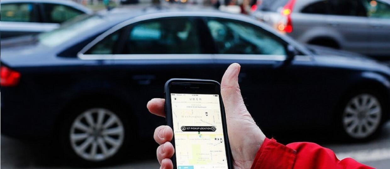 Uber zaczął śledzić użytkowników