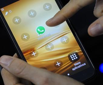 WhatsApp idzie na wojnę z fake newsami. Poważne ograniczenie funkcjonalności komunikatora