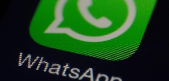 WhatsApp kasuje wiadomości z telefonów, pokazuje też historię konwersacji obcym ludziom