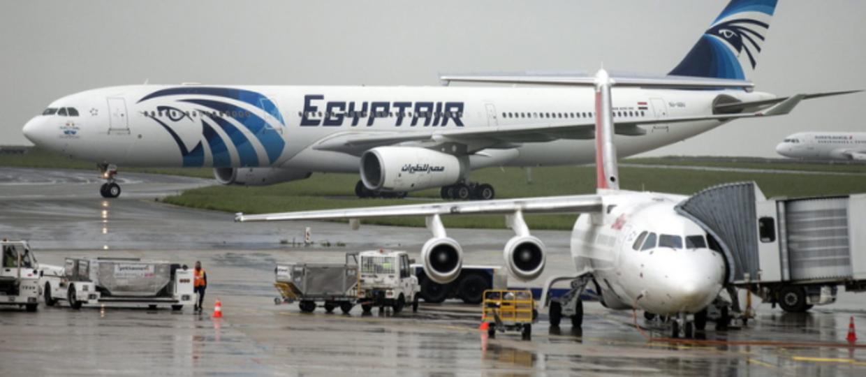 Szczątki i osobiste rzeczy pasażerów EgyptAir odnalezione